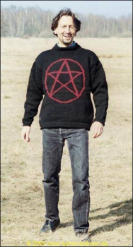 Pullover with Pentagram in red