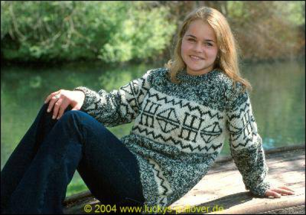 Round neck Pullover with Runes pattern