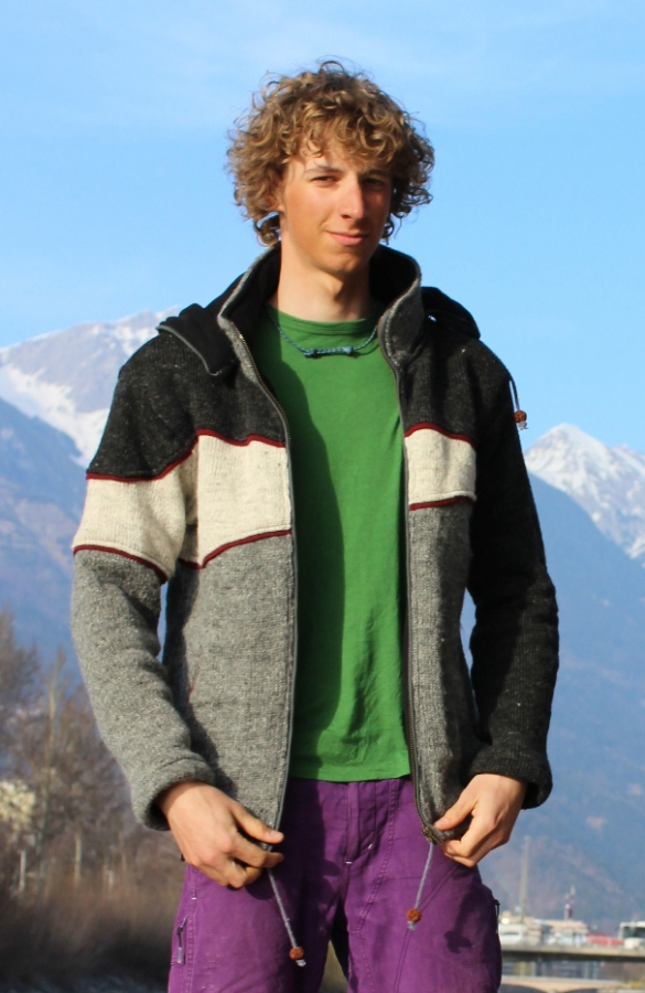 Tree-Color  Jacket with removeable Hood and Fleece Lining